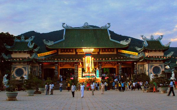 Chua Linh Ung Tu
