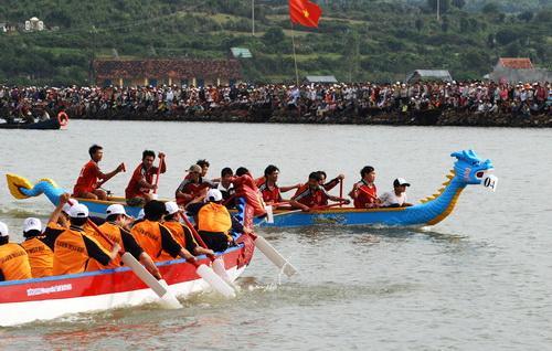 Le Hoi Dua Thuyen Da Nang